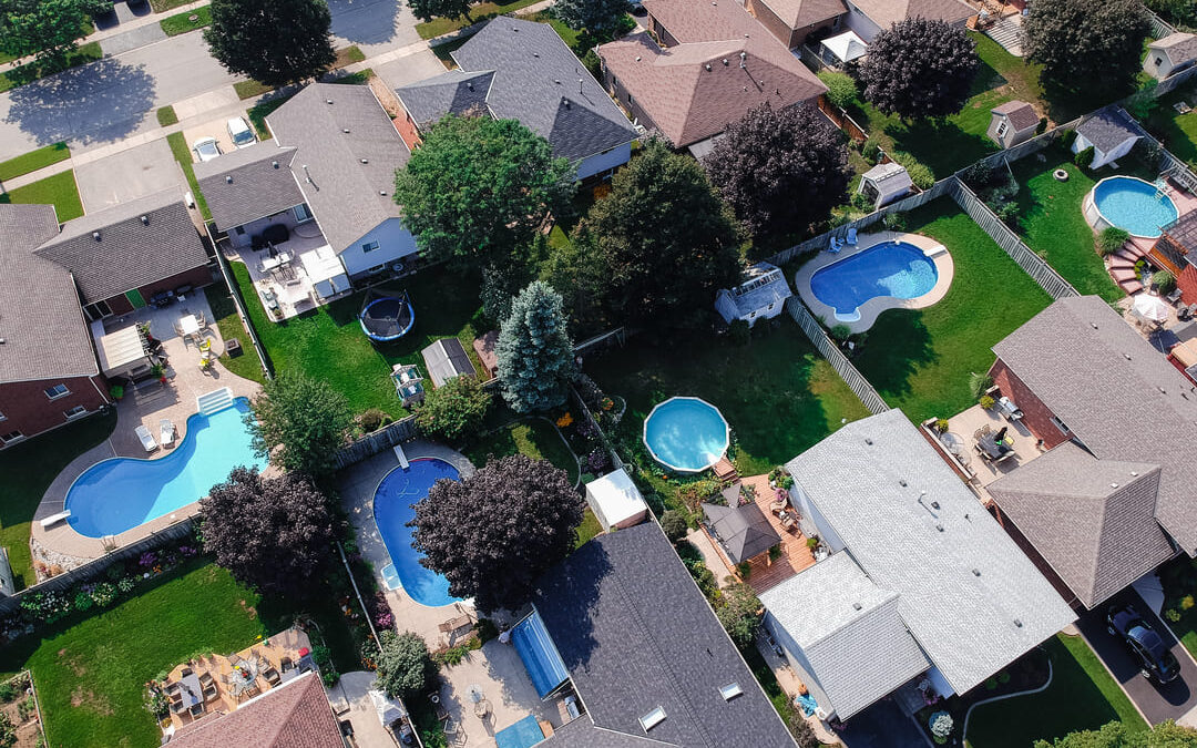 How to Sell My House With a Pool in Texas
